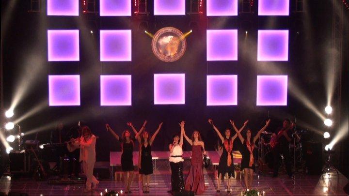 Intrattenimento Musicale Musica per Matrimonio, Ricevimento, Cerimonia, Cena aziendale, feste private, Convention. Cantante per eventi VArese Valentina Mey singer