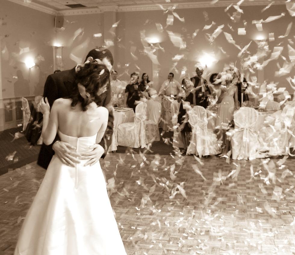 Le sorprese per la sposa da parte degli amici for Sposi immagini