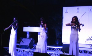 music for wedding party in Italy 2 - maggiore lake Valeantina MEy singer